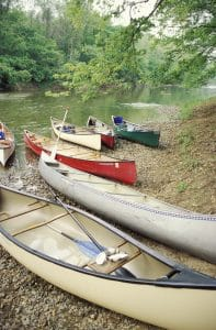 middle_canoe_b