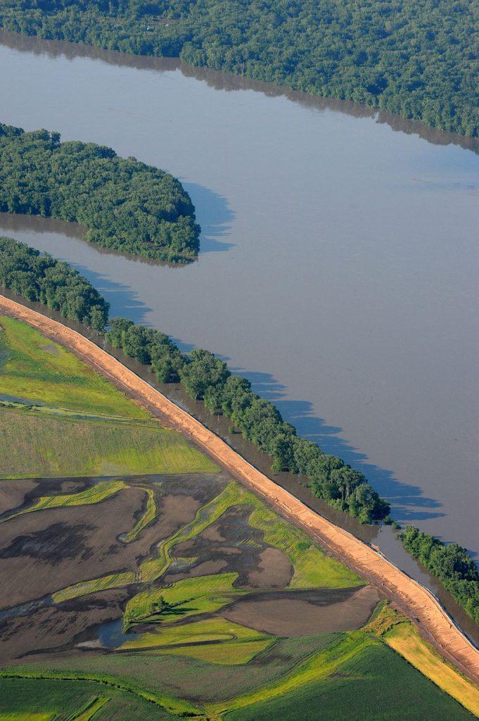FEMA_-_36508_-_Aerial_of_Mississippi_River_in_Missouri